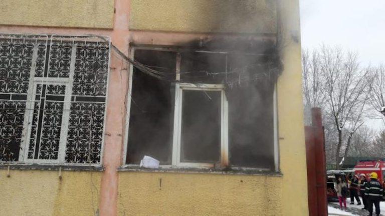 Incendiu la o scoala din Bucuresti