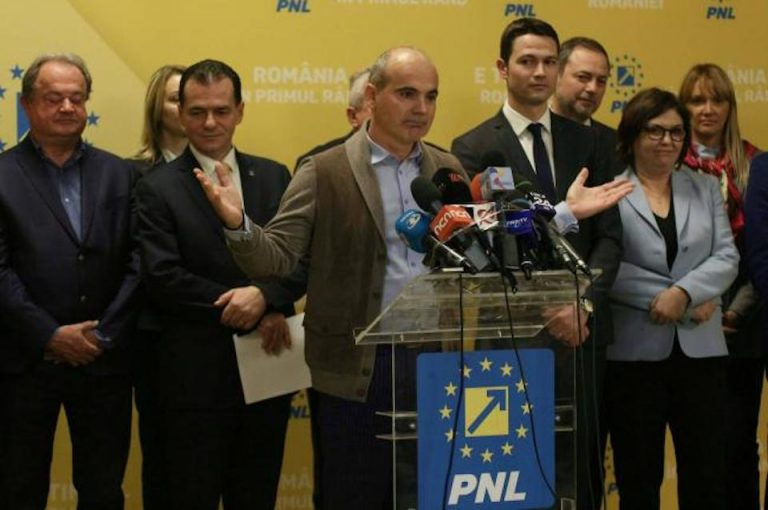 Rares Bogdan il desfiinteaza pe Melescanu: Este o ruşine pentru diplomaţia românească!