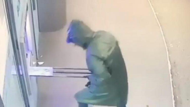 Hotii care au aruncat in aer bancomatul din Bucuresti au fost filmati