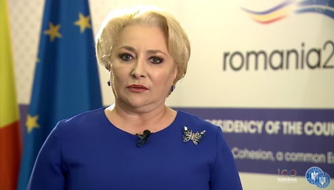"""Dancila e disperata: """"Iohannis vrea un guvern pentru convietuirea in grupuri si renuntarea la dreptul de proprietate"""""""