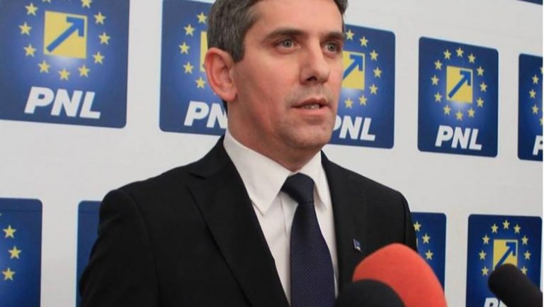 Ionel Dancă: Huzurul PSD-iștilor pe bani publici îi face să se împrumute în neștire pentru cheltuielile lor nesăbuite!