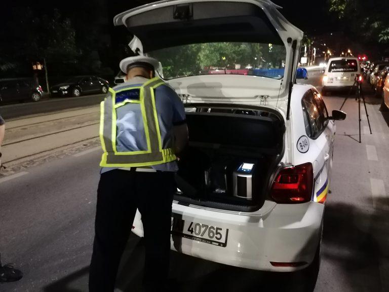 Bomba artizanala descoperita de Politia Capitalei in masina unui barbat