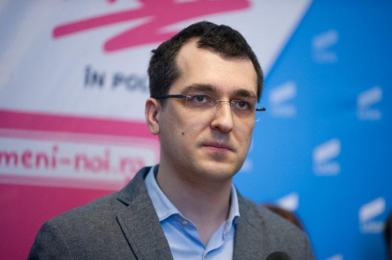 Democrația USR: Cine indrazneste sa-l critice pe Voiculescu e redus la tacere!
