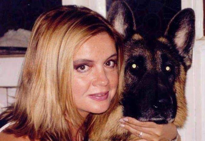 Mai multi caini, dintre care doi morti, descoperiti in locuinta Cristinei Topescu